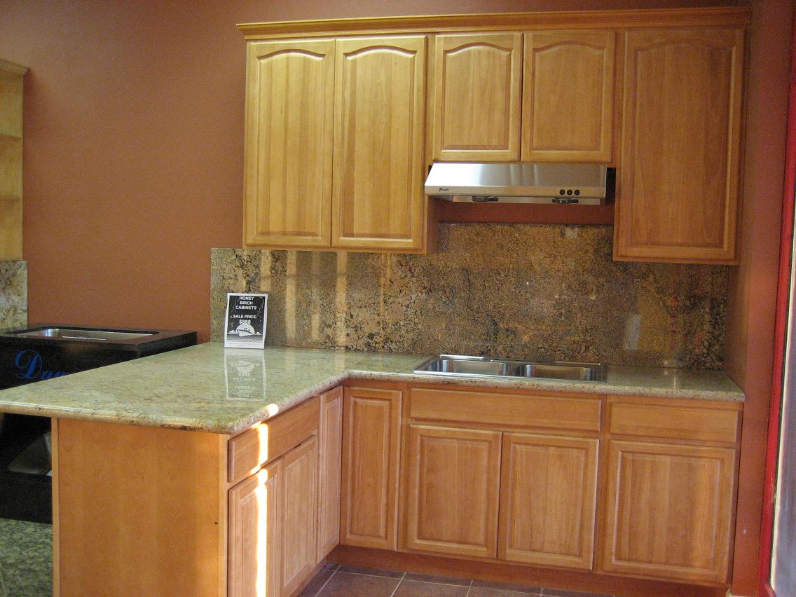 Honey Maple Kitchen Cabinets Custom Kitchen Bath Garage Cabinets And Remodeling Fresno